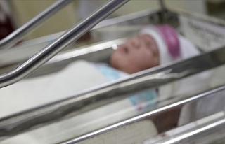 İran'da 800 gram ağırlığındaki bebek corona...