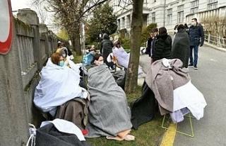 İtalya'da hastalar sokakda,cesetler koridorda