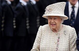 Kraliçe Elizabeth 94'üncü yaşını internetten...
