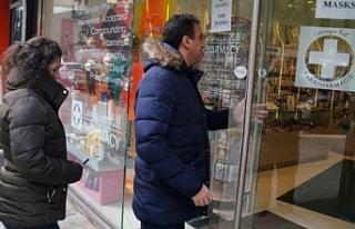 New York'ta eczanelere koronavirüs testi yapma...
