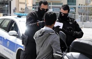 Rum Polisinden gece ayin yapanlara ceza