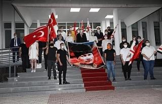 Başbakan, gençlerle 19 Mayıs'ı kutladı