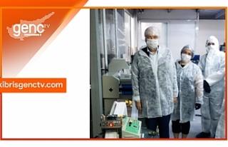 Başbakan, maske üretim tesisinde incelemelerde bulundu