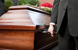 İngiltere'de Kovid-19 kaynaklı ölümler 33...