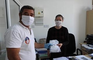 İskele Belediyesi maske dağıtmaya başladı