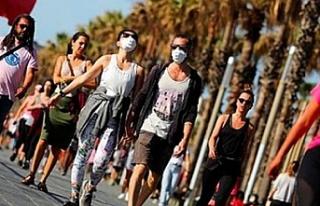 İspanyollar 48 gün sonra kalkan yasakla sokakları...