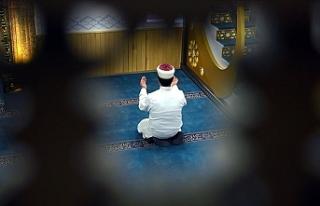 Türkiye'de camilerin 12 Haziran'da ibadete...