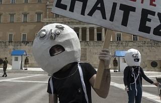 Yunanistan'da sanatçılardan protesto
