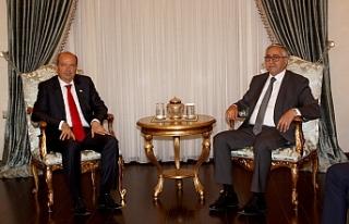 Akıncı, Başbakan Tatar ile görüşüyor