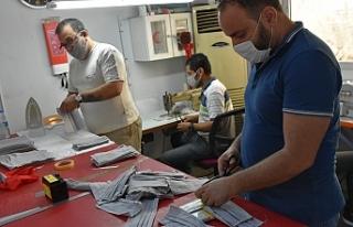 Girne Belediyesi, kendi maskesini üretiyor