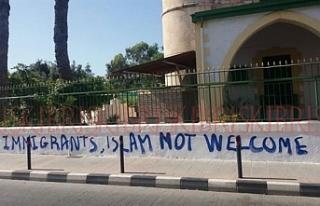 Kıbrıs Türk Kültür Derneği, camilere yapılan...