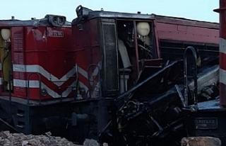 Malatya'da iki yük treni çarpıştı