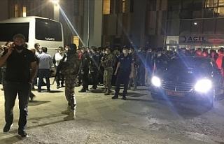 PKK'lı teröristler yol yapım işçilerine...