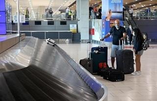 Rum Ulaştırma Bakanı havaalanlarının faaliyete...