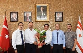 Akpolat, İskele Belediye Başkanı Hasan Sadıkoğlu'nu...