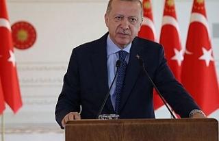 """Erdoğan: """"Türkiye'nin diz çökmesini bekleyenleri..."""