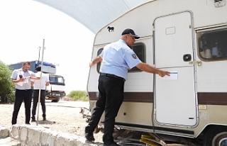 İskele Belediyesi, izinsiz karavanları kaldırıyor