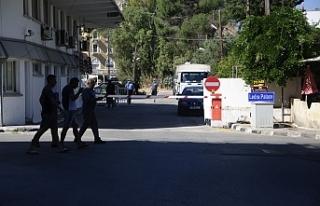 Ledra Palace kapısı bu sabah geçişlere açıldı