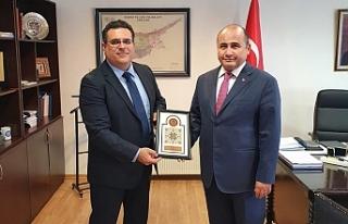 Rektör Hocanın'dan Büyükelçi Başçeri'ye...