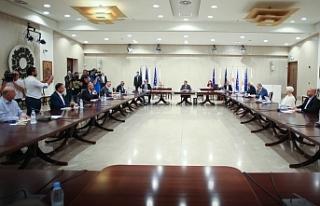 Rum siyasi parti başkanları toplandı