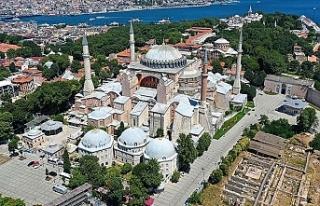 "İstanbul Valisi : ""Ayasofya Camisi'nde..."
