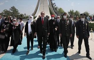 Türkiye'de 15 Temmuz Şehitleri anılıyor
