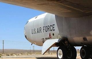 Amerikan B-52 bombardıman uçağına Karadeniz üzerinde...