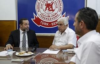 Denktaş'tan Cumhurbaşkanı adaylarına çağrı