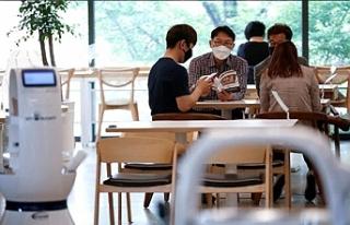 Güney Kore'den kafede 2 saat oturan müşteri...
