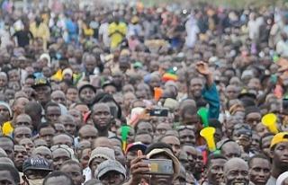 Mali'de binlerce kişi muhalefetin çağrısıyla...
