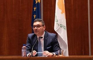 Rum Maliye Bakanı ekonomide yüzde 7 daralma öngörüyor