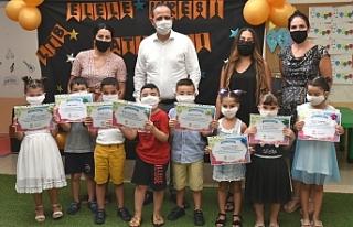 10 çocuğa düzenlenen tören ile belgeleri verildi