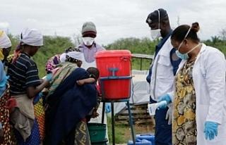 Afrika'da 41 bin sağlık çalışanı Covid-19'a...