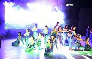 Dans, birkez daha Kemal Saraçoğlu Vakfı çocuklarına...
