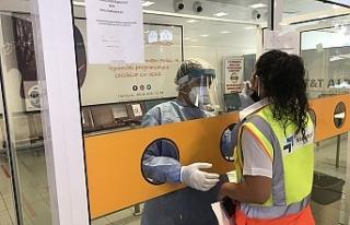 Ercan Havalimanı'nda çalışan personele PCR testi