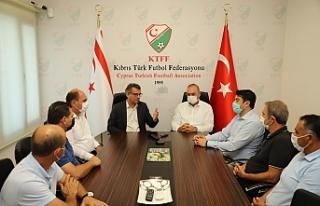Erhürman, KTFF'yi ziyaret etti