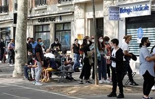 Fransa'da son 24 saatte 10 bin 561 yeni vaka...