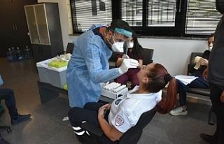 Girne Belediyesi personeline yapılan covıd-19 testi...