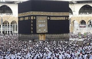 Suudi Arabistan, 4 Ekim'den itibaren umre ziyaretlerini...