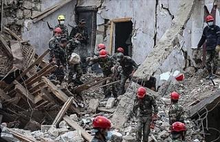Ermenistan Azerbaycan'ın Gence kentini vurdu:...