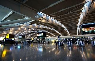 İngiltere'den Kıbrıs yolcularına karantina...