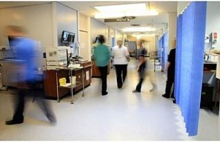 İngiltere hastanelerindeki Covid-19 vaka sayısı...