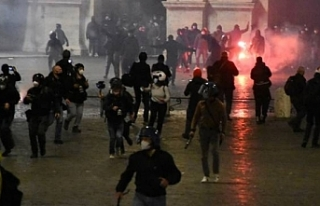 İtalya'da tedbirlere yönelik protestolar devam...