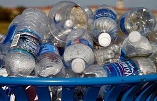 Kanada'da tek kullanımlık plastik malzemeler...