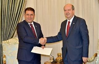Cumhurbaşkanı Tatar, kükümeti kurma görevini...