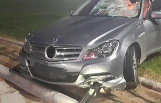 Dikkatsiz sürücü 19 yaşındaki yayaya çarptı
