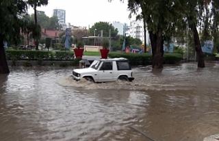 Gazimağusa'da şiddetli yağış