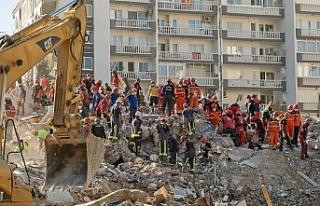 İzmir'deki arama kurtarma çalışmaları bu gece...