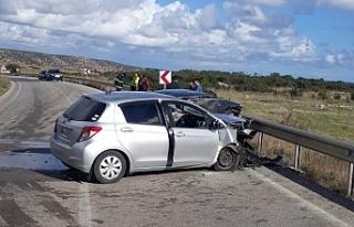 Kumyalı'da trafik çarpışması: 1 kişi hayatını...