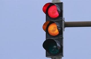 Lefkoşa'daki elektrik kesintisi trafik ışıklarını...